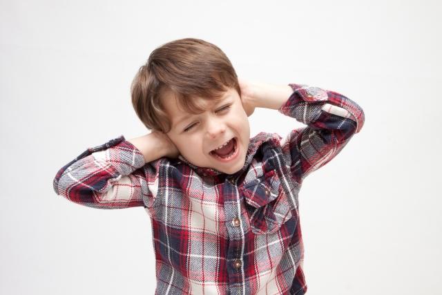 アパートに多い騒音トラブルの原因にテレビの音量も!?