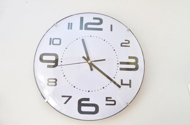 アパートでも壁掛け時計を飾りたい!付け外しはどうする?