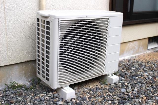 エアコンの室外機が動かない!困った時の対処法をご紹介