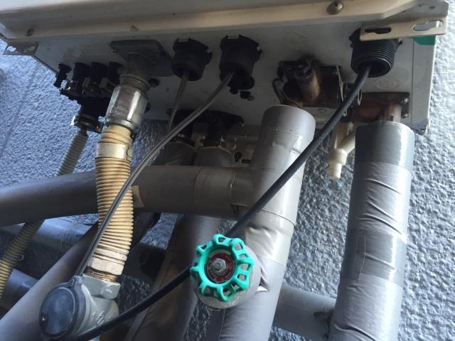 賃貸アパートの設備である給湯器が故障した!誰が修理する?