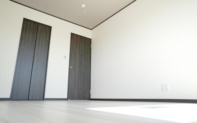 新築の家は決めることがいっぱい!天井や壁のクロスの選び方