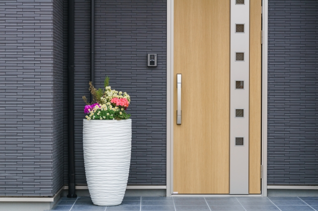 新築の玄関をおしゃれに魅せる!そのためのテクニックとは