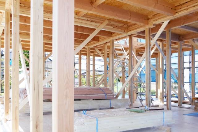 木造の建物を設計する際に柱のスパンは決まっているの?