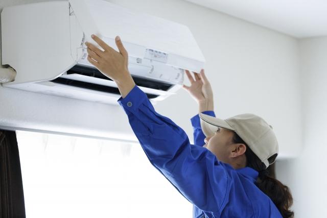 アパートのエアコンが故障した!修理代はだれが負担するの?