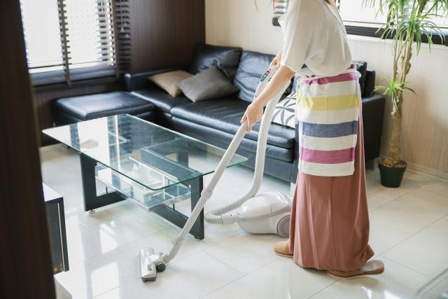 騒音になってない?アパートの掃除機は何時からが常識的?