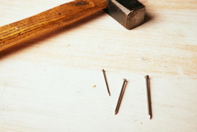 サイディングの釘が目立つ!釘打ち工法のデメリットと対処法