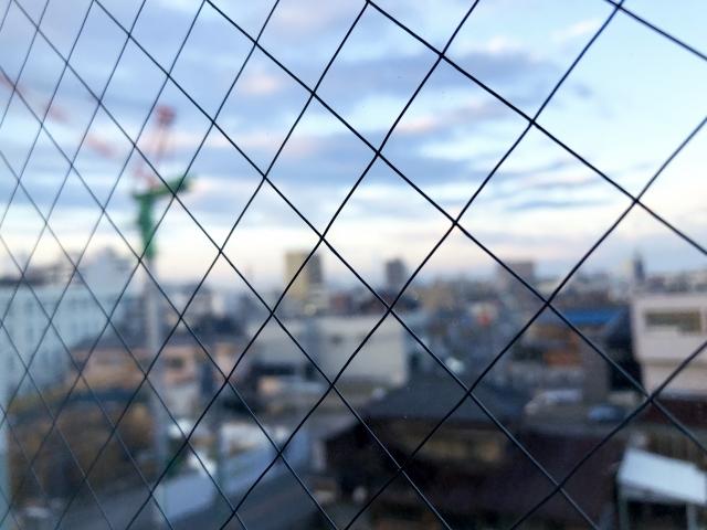 準防火地域には窓の制限が!網入りガラスやシャッターで対応