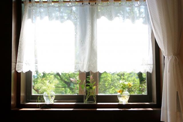 窓枠をおしゃれにDIY!インテリアの完成度が格段にアップ