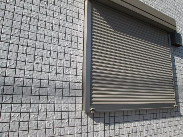 窓にシャッターは必要?掃除によるメンテナンスを忘れずに!