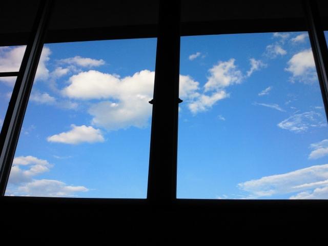窓にシートを貼るだけで断熱効果が得られる?!選び方は?