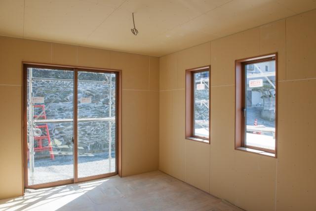 解放感溢れる窓をリビングに!憧れの大きい窓を取り入れたい