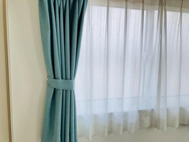 窓に素敵なカーテンを取り付けよう!正しい寸法の測り方