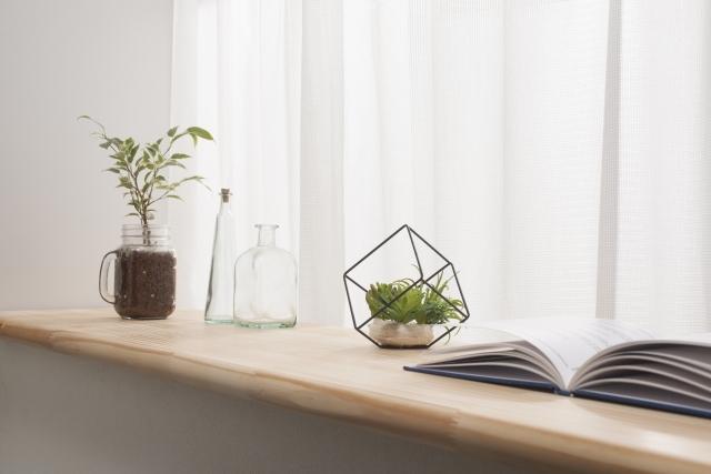 窓を使って棚を作る!作り方と意外な有効活用法をご紹介
