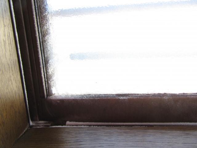 アパートなどの賃貸住宅で起きる窓の隙間風問題!防止策は?