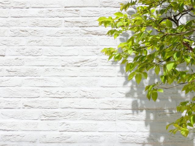外壁材のサイディング!「釘」での固定はヒビが入りやすい?