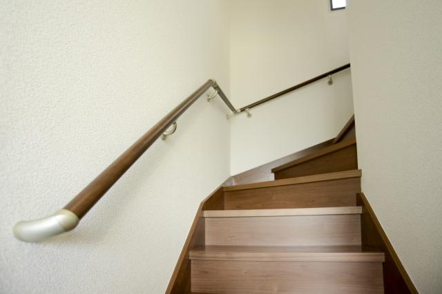 木造住宅を検討中の方必見!階段の寸法にも決まりがある?!