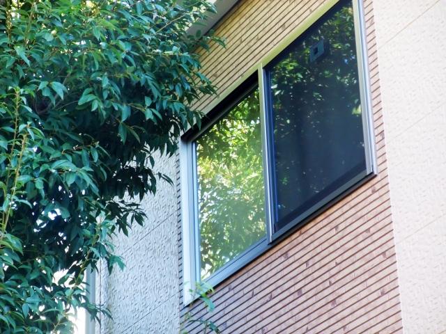 窓をDIYで壁にしよう!あわせて壁に窓を作る方法もご紹介!