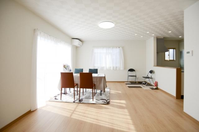 窓のデザインやサイズで変わる家の印象!間取り表記の見方は