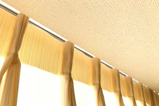 窓を閉めているのに寒い!防寒対策になるカーテンを選ぼう